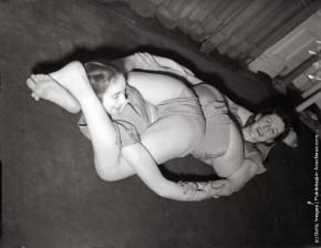 Vintage Yoga (4)